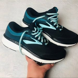 BROOKS DYAD 10 SNEAKERS (B)